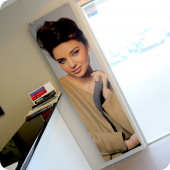 Photographic-quality large format UV flatbed prints